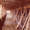 Encofrado de madera, previo al hormigonado del sector de  galerías internas.
